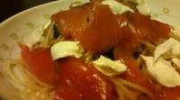 スモークサーモンとモッツァレラチーズのパスタ
