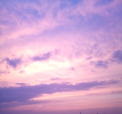 昨日の夏至の夕やけ雲