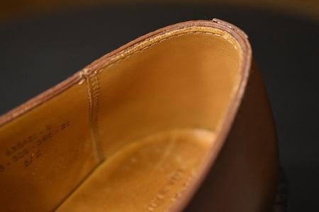 雨で汚れた靴