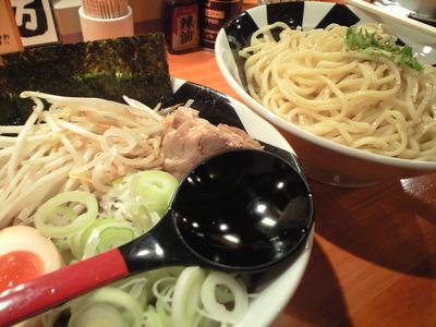 「おんのじ」の極太つけ麺