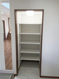 キッチン食品棚