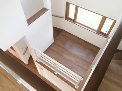 階段踊場上から