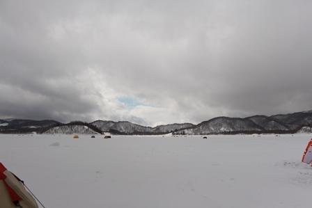 Pond smelt fishing in Hibara