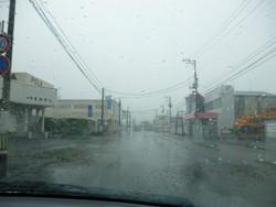 台風26号通過中