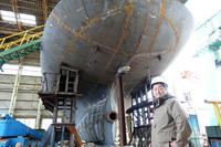 新造船のブロック船台搭載開始