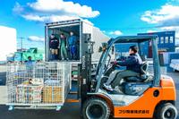第1勝栄丸向け託送品のトラック積み