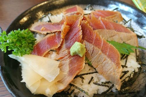 ゆう寿司バイパス店でマグロ丼