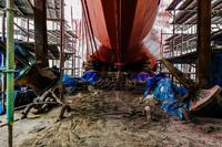第1勝栄丸の船体塗装がほぼ終了