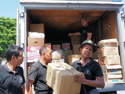ベノア港での食料補給