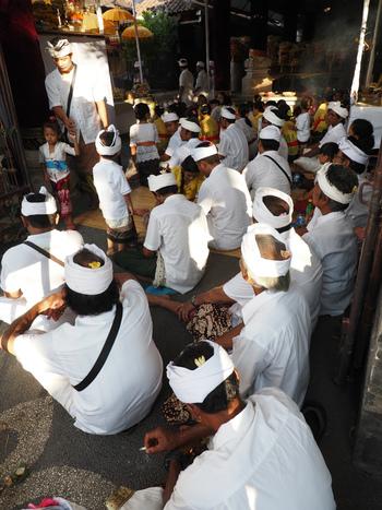 Bali島でのお祭りの儀式