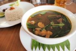 伝統的スープ「RAWON」堪能!