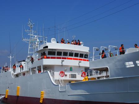 遠洋まぐろ船の体験クルーズ