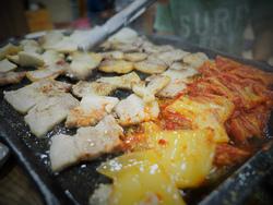 麗水の韓国料理食堂にて