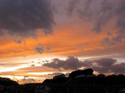 仲秋の名月の日の朝と夕