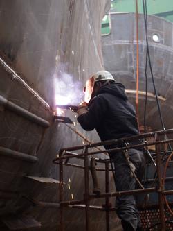 1か月半ぶりの新潟造船