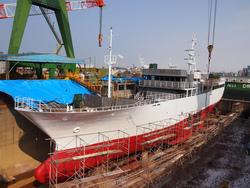新造船の船名旗