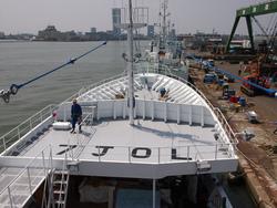 ほぼ完成の新造船
