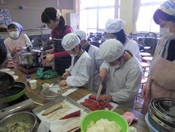 「親子まぐろ料理教室」開催