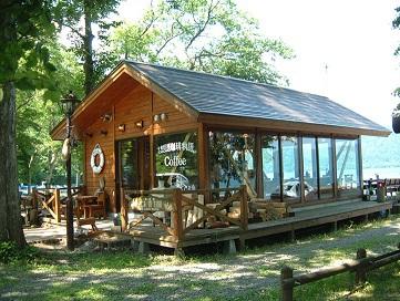 十和田湖畔のカフェ