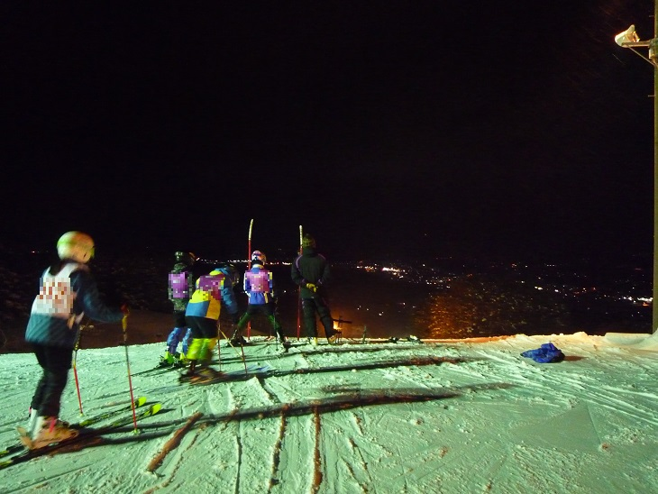 水晶山のナイタースキー
