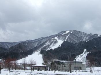 雪不足に負けない花輪スキー場
