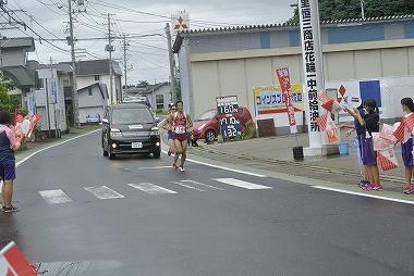 十八駅伝 ゼッケン14 秋田陸協、16 福島陸協