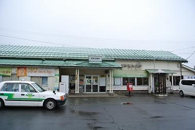早朝の鹿角花輪駅