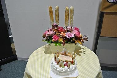 ケーキと花束