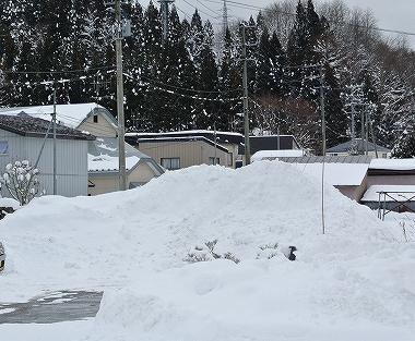 除雪でできた雪の山