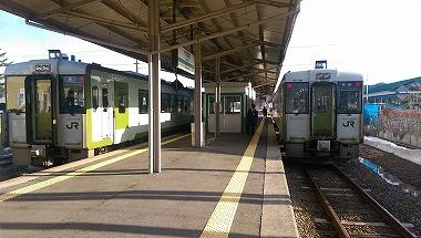 十和田南 列車交換