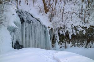 氷爆とあたたかグルメで大湯の冬を満喫!【中滝ふるさと学舎】