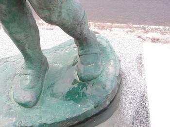 鹿角市花輪大町商店街の銅像