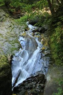 鹿角の滝~茶釜の滝を求めて~