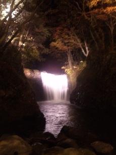 中滝のライトアップに行ってきました!