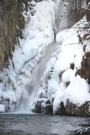 鹿角の滝~銚子の滝・錦見の滝