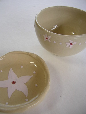 お花模様のお茶碗とお皿