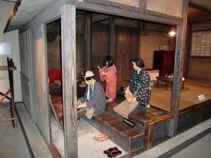 炭坑を再現した蝋人形