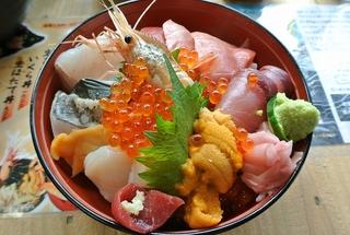 女川町「おかせい」さんの特撰女川丼!