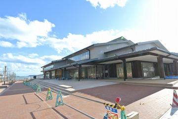 女川駅前のテナント型商業施設が建築工事完了!