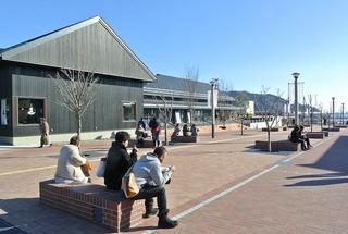 3連休最終日の女川駅前風景
