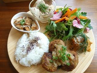 プレオープンの「綴café(つづりカフェ)」でランチ!