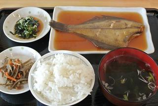 「きらら女川」さんのカレイ煮付け定食