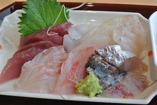 女川魚市場の「市場食堂」で朝ごはん!