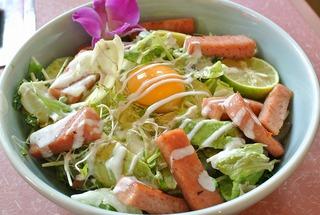 幸楽ランチで、竹鶏卵のスパム丼