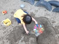 夏の終わりの砂場遊び