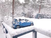 雪のコテージ