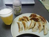 自宅で楽しむ、宮城の餃子とビール