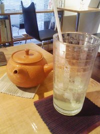 五橋の日本茶カフェ「道草屋」