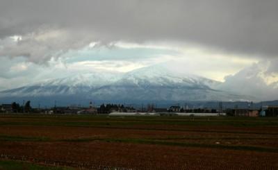 鳥海山も冬支度