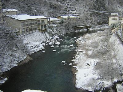 アヒルちゃんと冬の穴原の風景シリーズ④